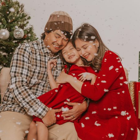 LAST DAY TO BOOK! Use code 50HOLIDAY and get $50 OFF for your holiday family photos, just in time for the holidays